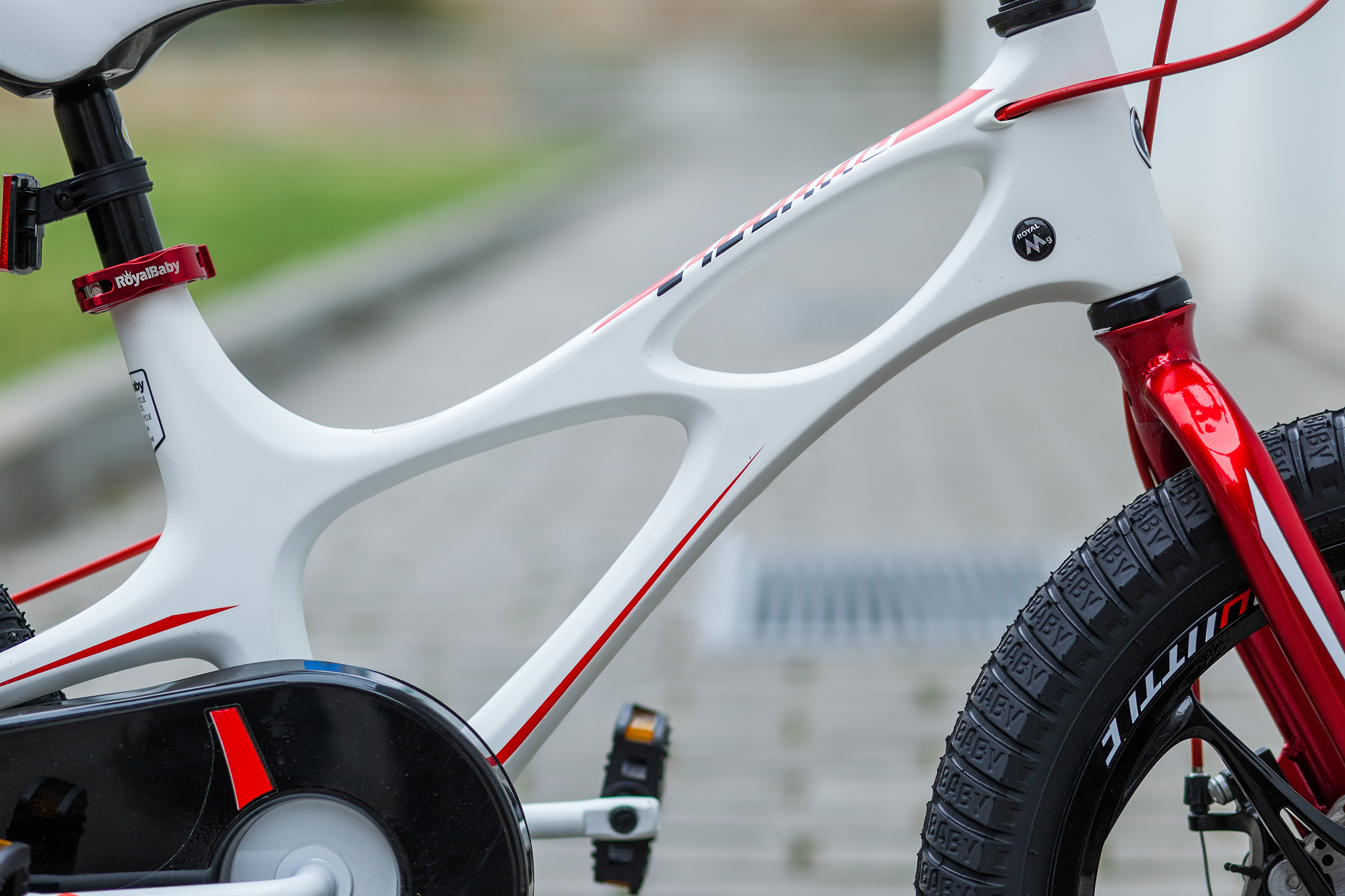 Велосипед RoyalBaby SPACE SHUTTLE білий